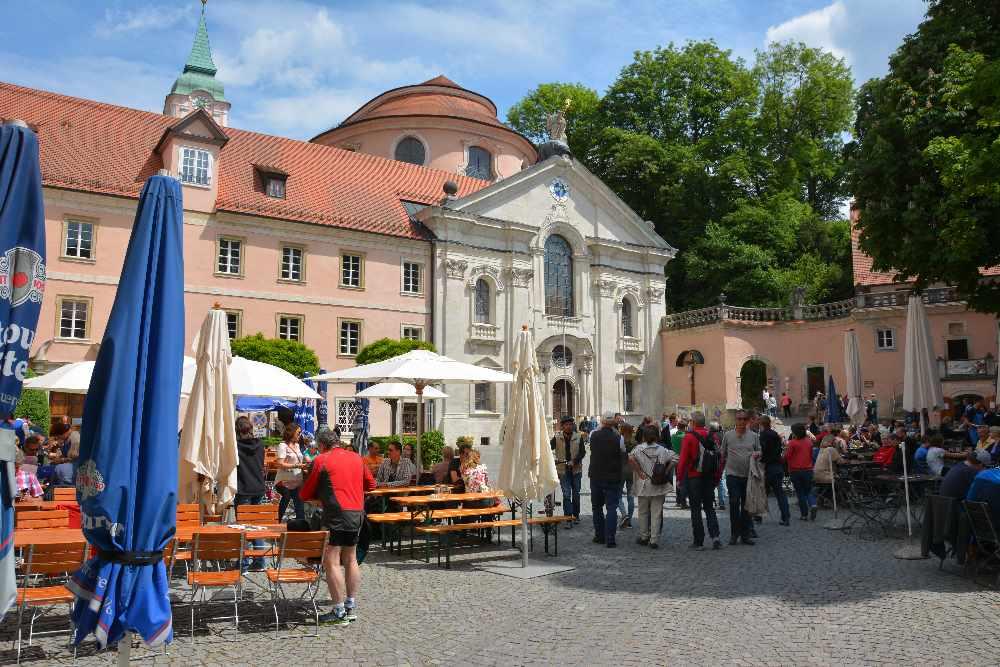 Kloster Weltenburg Kirche von außen recht unscheinbar