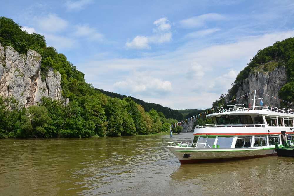 Kloster Weltenburg Schiff - geht nur, wenn genügend Wasser da ist. Im Sommer wird es öfter mal knapp
