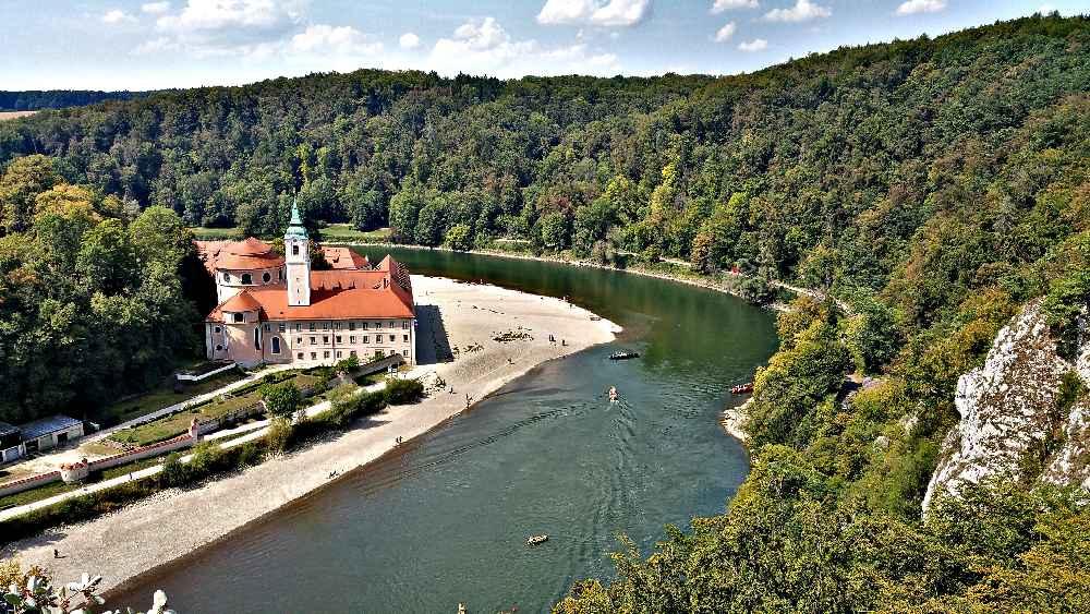 Oberhalb vom Donaudurchbruch Blick zum Kloster Weltenburg, Bild: Karsten Wagner